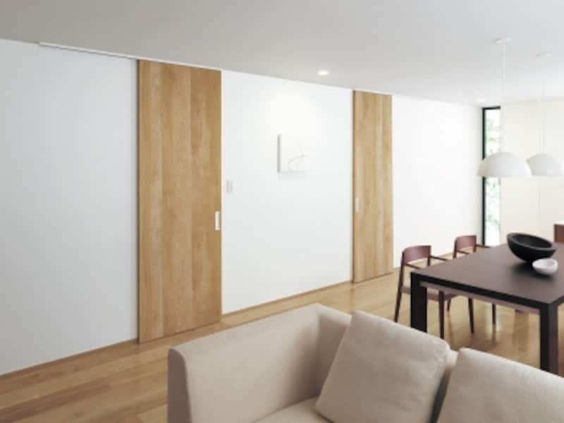 木が本来持つ美しさや肌ざわりまで再現した木目のデザイン。壁面にもすっきりと馴染む。[ベリティスundefined内装ドア上吊り引戸アウトセット納まり天井埋め込み仕様施工例]undefinedパナソニックエコソリューションズundefinedhttp://sumai.panasonic.jp/