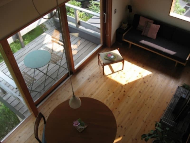 2階リビングではロフトなども設けやすく、空間に広がりが生まれる