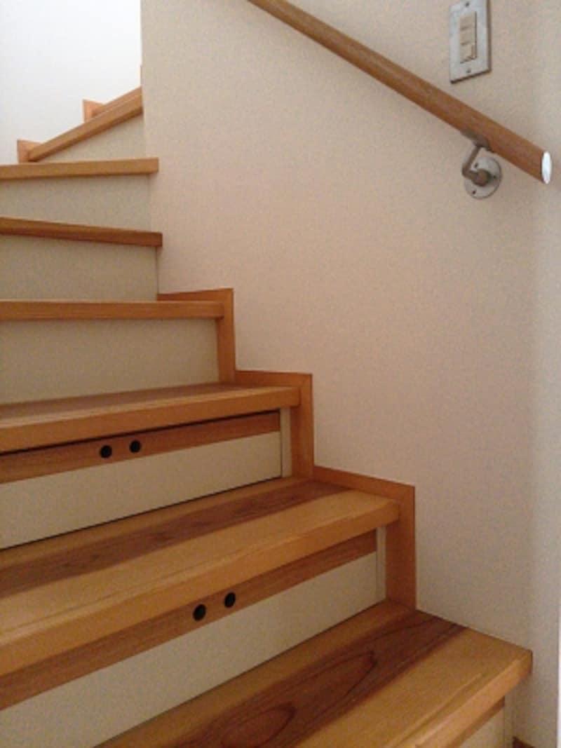 2階リビングでは階段の上り下りがひとつのデメリット