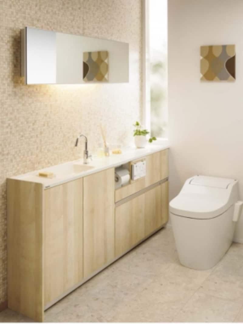 直線的で掃除もしやすい洗面器一体型のカウンター。収納スペースやペーパーホルダ―、トイレリモコンなどもすっきり納まる。[トイレ手洗い収納undefinedアラウーノカウンター]undefinedパナソニックエコソリューションズundefinedhttp://sumai.panasonic.jp/