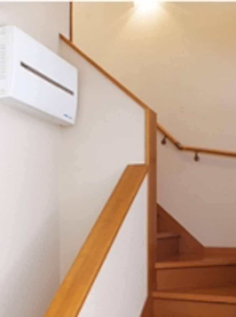 廊下や納戸、クロゼットなど、目立たない場所を活用して。利用することが多い場所の近くであれば、確認もしやすい。[廊下・階段]undefinedパナソニックエコソリューションズundefinedhttp://sumai.panasonic.jp/