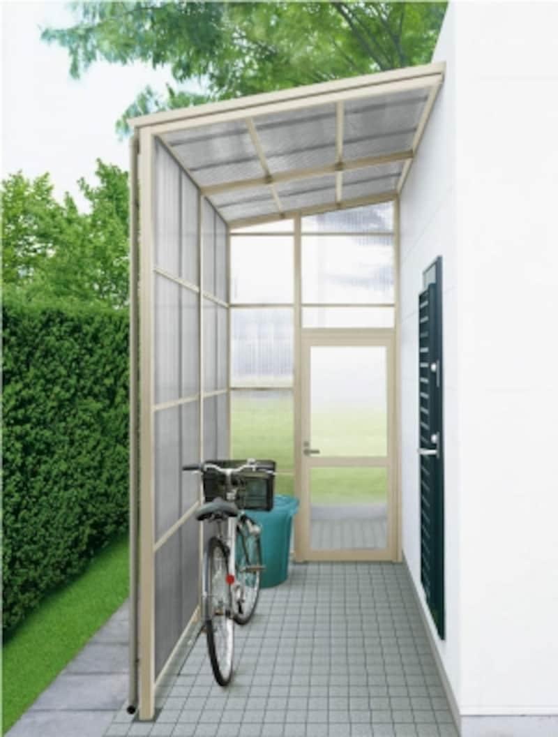 勝手口から行き来しやすく、庭への動線も確保。自転車の置き場にもなるので、雨の日も安心。[ストックヤード2ドア付きセットL内観説明用H2]undefinedYKKAPhttp://www.ykkap.co.jp/