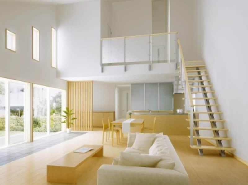 リビングに設けた開放的な階段プラン。アルミやスケルトン素材の面材を用いた手すりを組み合わせて。undefined[レイスルー手すりオープンリビング階段桁タイプ]undefinedYKKAPhttp://www.ykkap.co.jp/