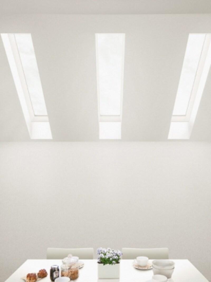 壁面に窓を設けられなくても、トップライトをプランニングすることで、明るさを確保。[スカイシアター]LIXILundefinedhttp://www.lixil.co.jp/