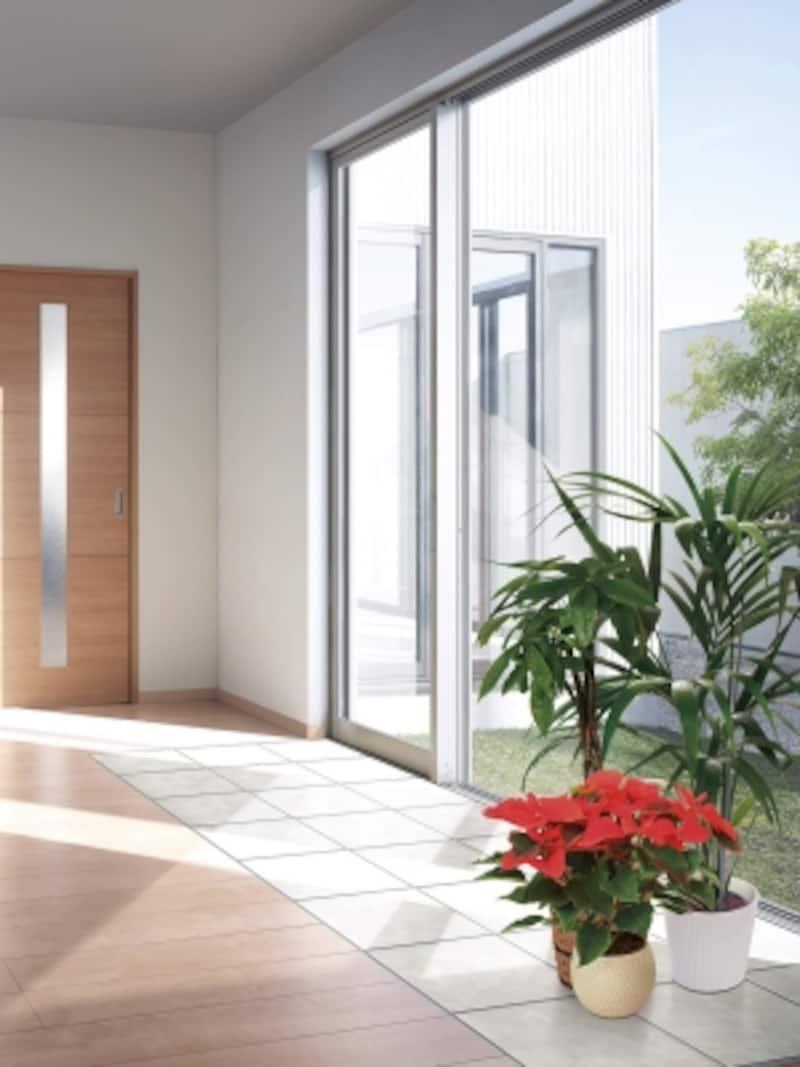 耐傷性、清掃性に優れたタイルを傷や汚れ、日光による色あせが気になる床に部分張りができる、リフォーム向けタイル。[アクセントタイルシートundefined床用]undefinedLIXILhttp://www.lixil.co.jp/