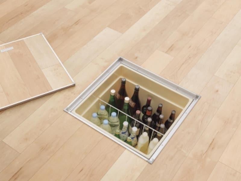 床下収納の蓋は、床材と揃えることができるので、インテリアとしてすっきりとまとまる。[ベリティスundefined床下収納ユニット特長収納ボックス]undefinedパナソニックエコソリューションズundefinedhttp://sumai.panasonic.jp/