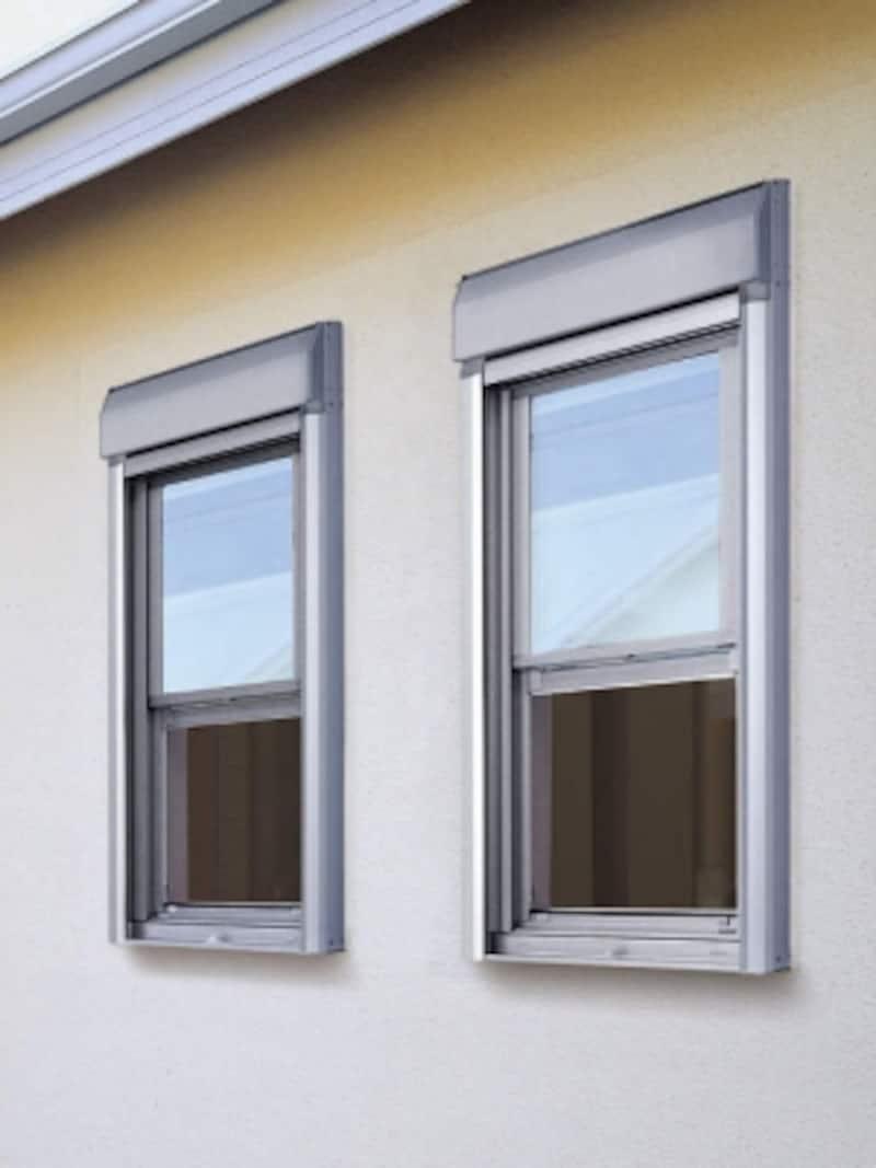小さい窓でも対応できるシャッター。部屋の使用方法や周辺環境に合わせて取り入れても。[プロジェクト窓用シャッター]undefinedYKKAPhttp://www.ykkap.co.jp/