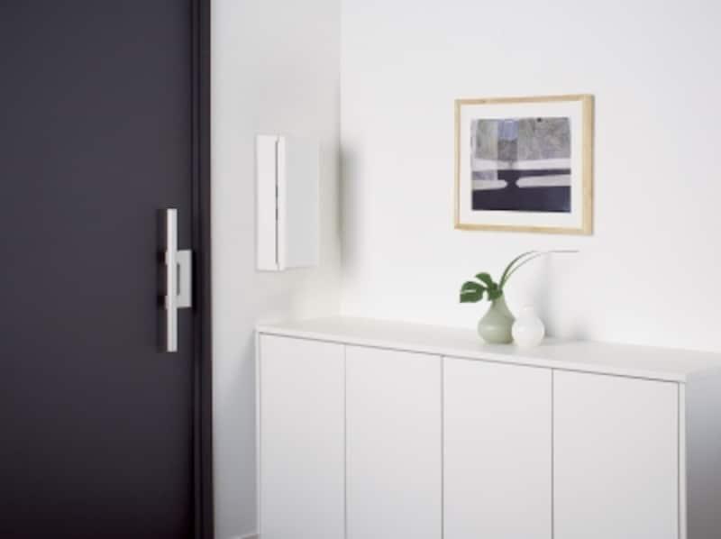 室内で受け取れるので、雨の日や冬の日に便利。縦型のシャープなデザイン。カラーバリエーションも揃う。[サインポストundefinedフェイサス‐イントundefined住宅壁埋め込み専用]undefinedパナソニックエコソリューションズundefinedhttp://sumai.panasonic.jp/