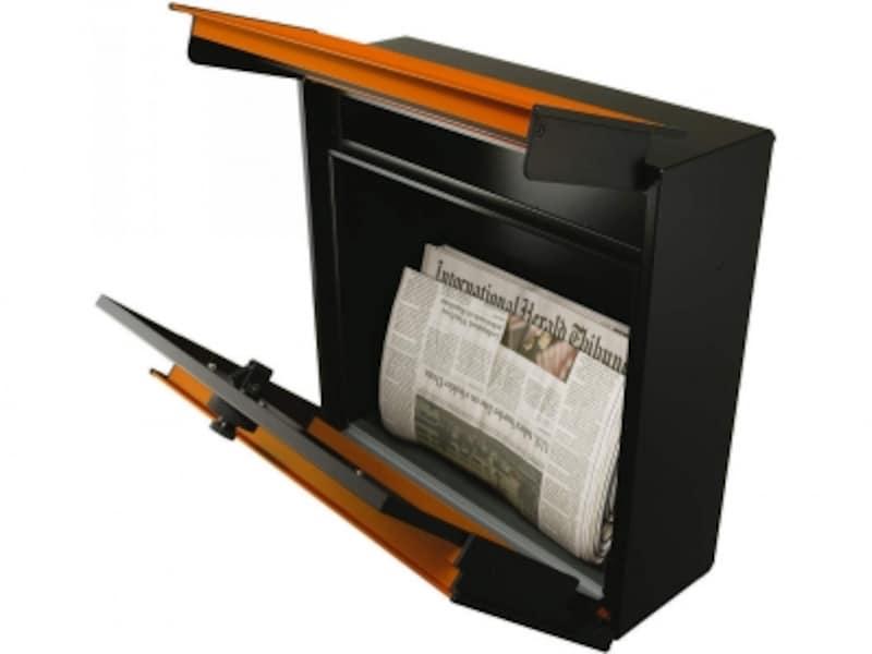 投入・取り出しがしやすい上扉は、簡易雨除けの効果も。ダイヤルキー付きのポスト。[エクステリアポストT12型取出口イメージ(ダイヤルキー)]undefined