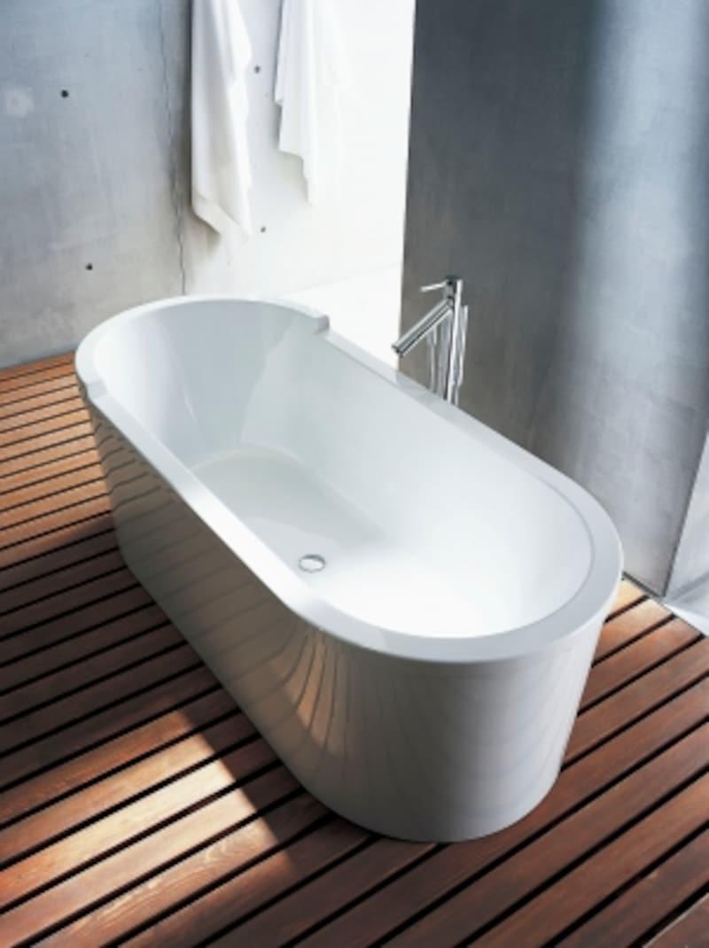 ゆったりとした空間のポイントとなるような浴槽を設置。undefined[DV700010バスタブ]undefinedセラトレーディングundefinedhttp://www.cera.co.jp/