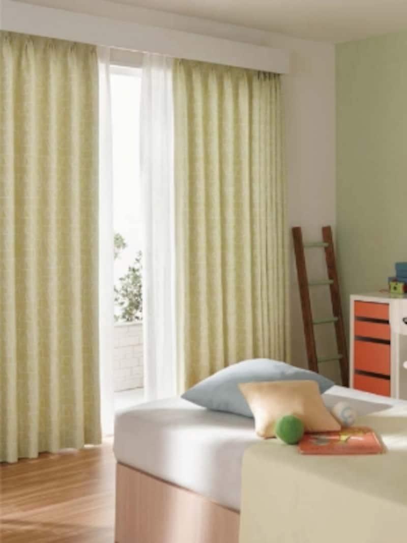 壁と馴染むようなカーテンボックスを設けたスタイル。ダブルタイプのレールを設置。[BrancherIILXL288・289]undefinedLIXILundefinedhttp://www.lixil.co.jp/
