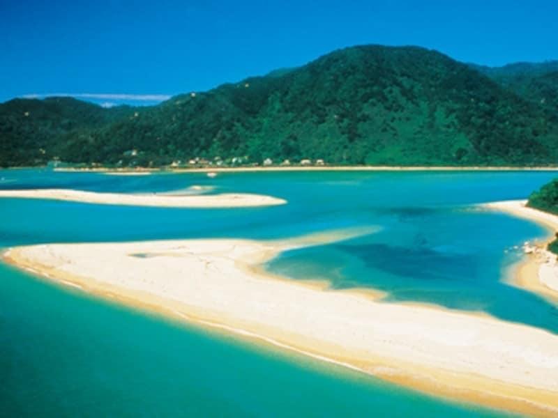 南島北部にある人気観光地、エイベルタズマン国立公園