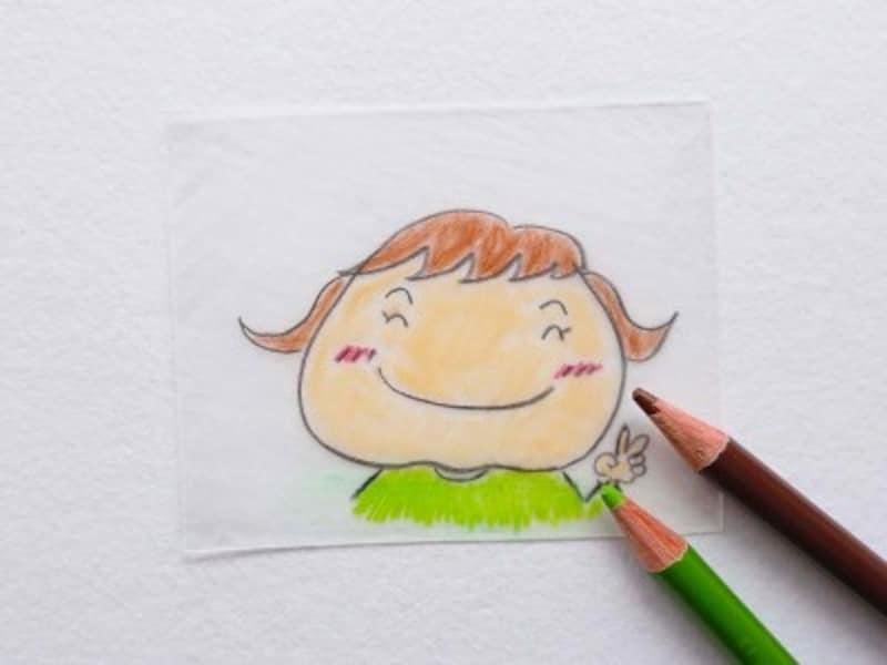 削った面に色鉛筆で好きな絵を描く