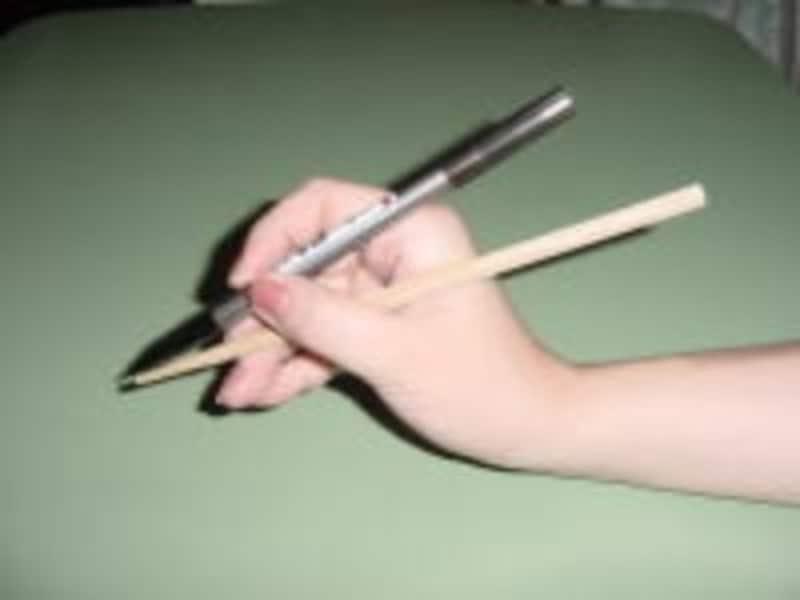 筆ペン,練習,持ち方,コツ,筆ペンの持ち方,上達,祝儀袋,不祝儀袋,冠婚葬祭マナー