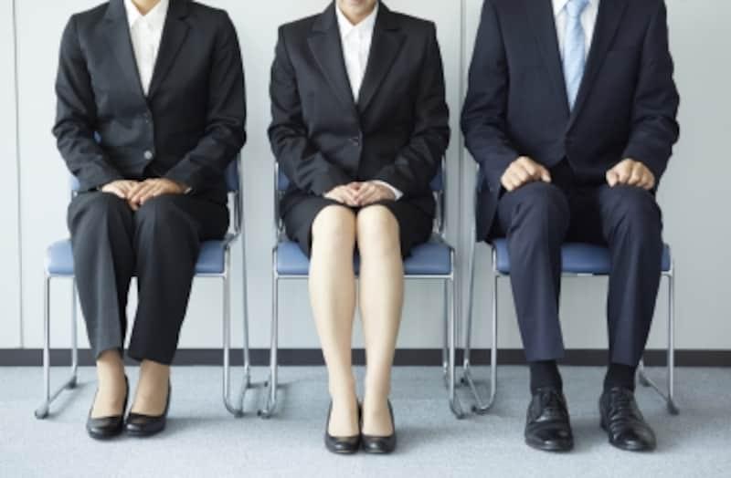 就活のスーツの選び方、就職活動で使えるリクルートスーツとは