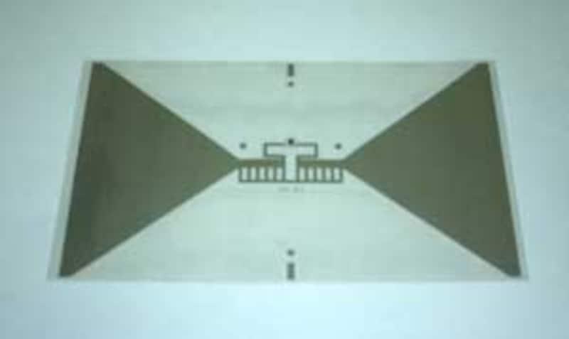 ICチップとアンテナが一体となったインレット