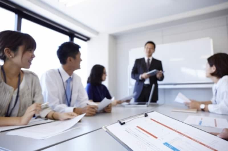 ロジカルシンキングとは、ビジネスの現場で日々使う実践的なスキルです