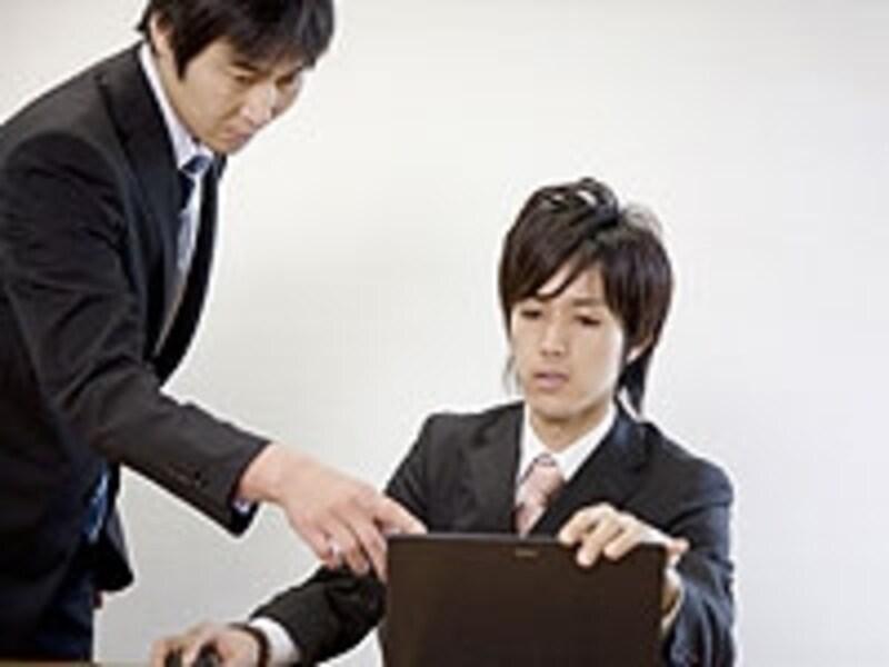 プレイングマネージャーは、自分の業績を上げながら同時に部下育成も行う高度な能力が求められる