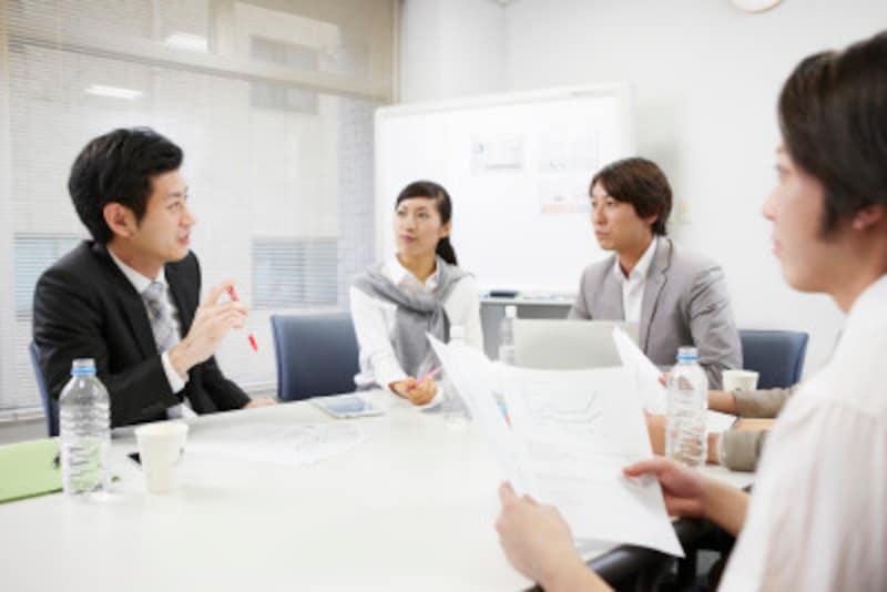 話を引き出すのがうまい営業マンは、自分のことばかり話していない