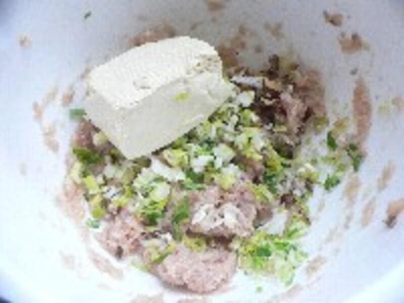 レタスと魚だんごのスープ・手順2