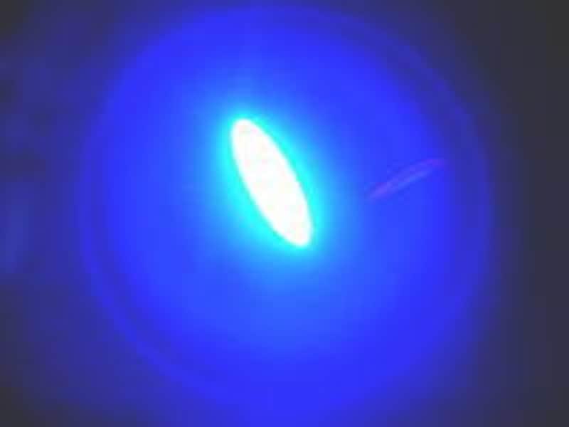 歯に当てる青い光