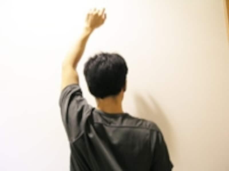 腕を回す時、顔と体がなるべくブレないように正面向きのまま行います