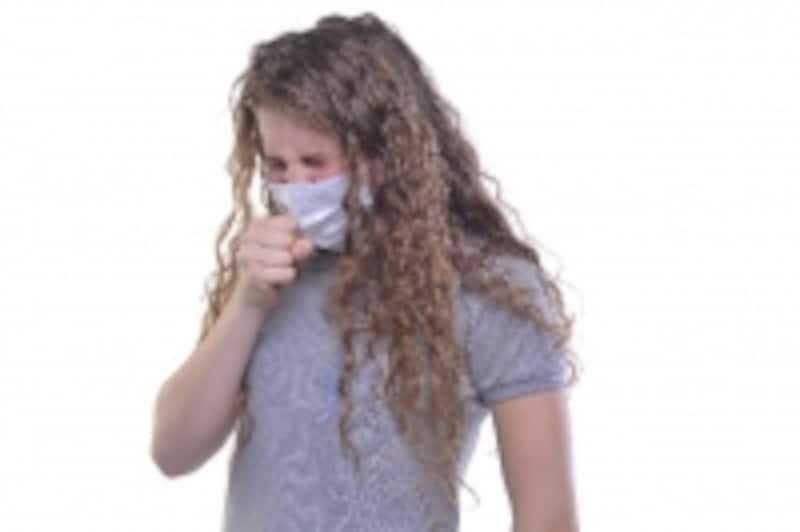 くしゃみや咳で腰を痛めることがあるため、花粉症の季節や風邪には要注意です