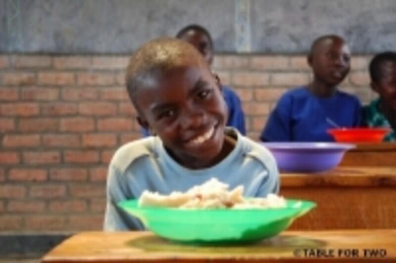 開発途上国の子どもの飢餓の問題と、先進国の肥満のもんだいをundefined同時解決に知り組む「TABLEFORTWO」。