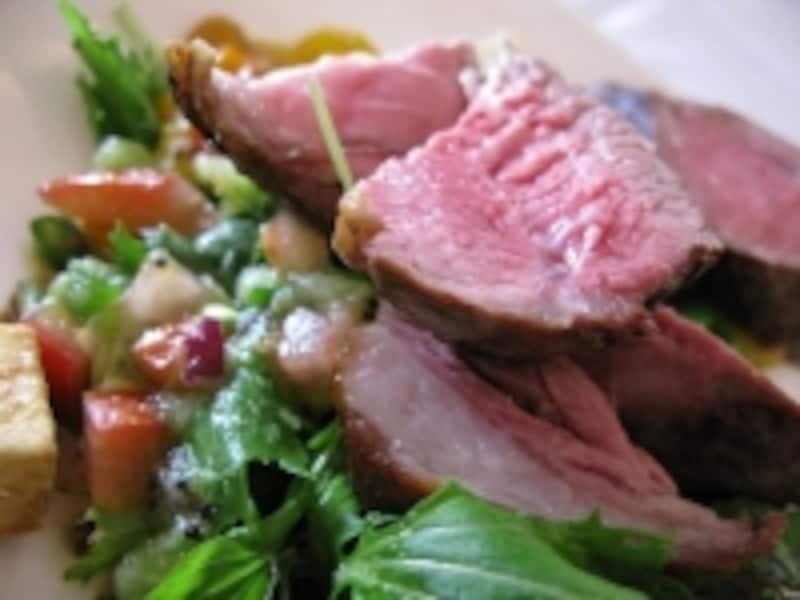 そのままタベルだけでなく、お肉料理のソースにしても、相性がよいキウイフルーツ。