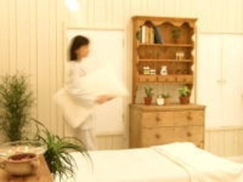 """中国最古の医学書『黄帝内径』には、""""秋は鶏とともに早寝早起きがいい""""と書かれている"""