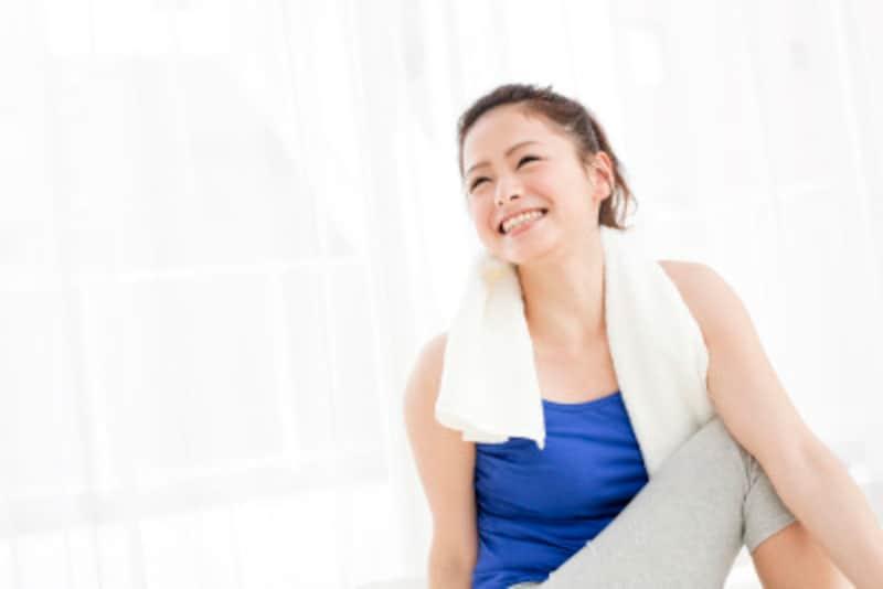 タオルでストレッチ!自宅で簡単にできる肩こり、腰痛解消法