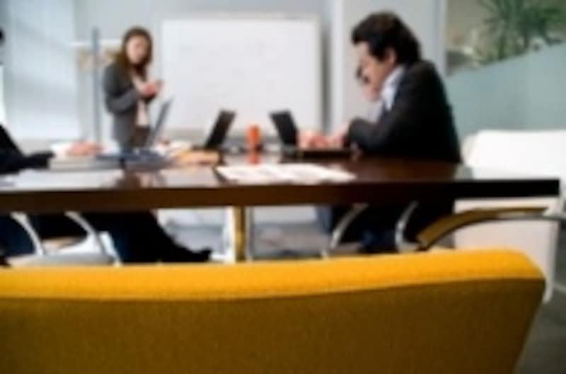 多くの職場では、男性向きのワークスタイルをとらざるを得ない