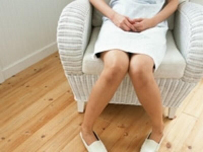 一般的な「月経痛」のレベルを超えた痛みを我慢するのは危険です