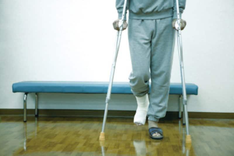 膝の怪我のみならず、足首の怪我から膝へ負担がかかるようになってしまうことがあります
