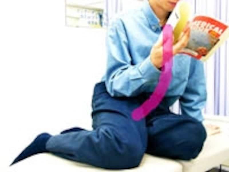 横座りも結果的に肩こりを起す筋肉の状態へ繋がることも