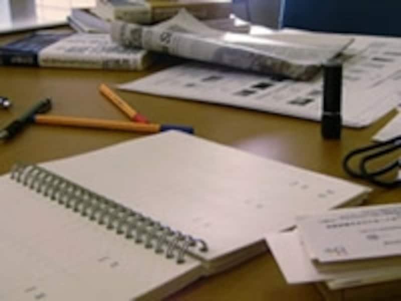 机上の整理は楽な姿勢を保つための基本です