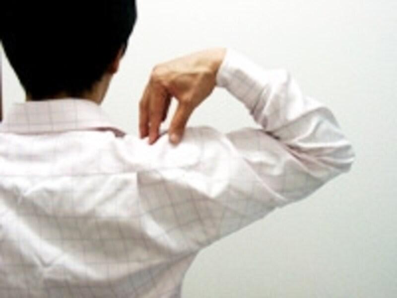肩こりに関わる複数の筋肉をほぐしていきます