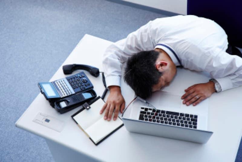 腰痛の原因は腰のせいだけではない!姿勢が原因の腰痛はなぜ起きる?