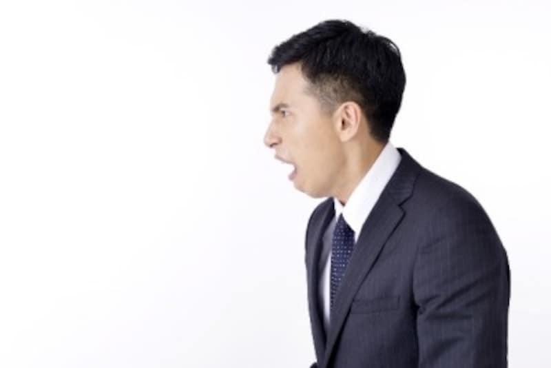 くしゃみの瞬間に腰の痛みに襲われることもあります