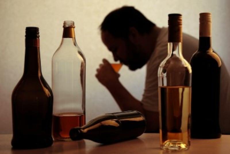 アルコール依存症の特徴・症状