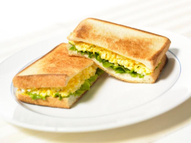 コンビニではサンドイッチを選ぶと炭水化物の調整がしやすい