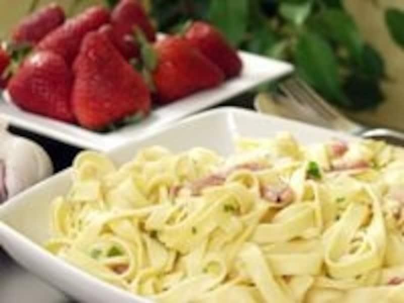 血糖値が高い人は表1と表2の炭水化物が多い食品を調整しよう。