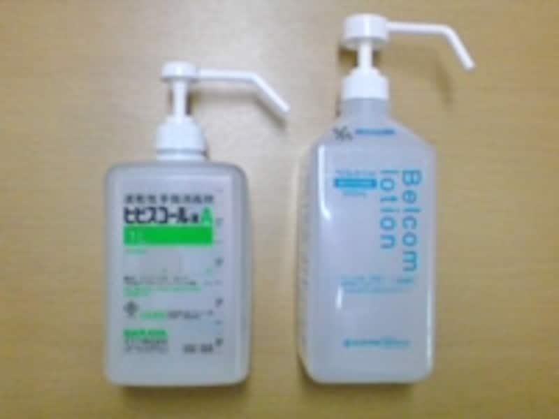 成田での機内検疫でも、これらの消毒液が欠かせませんでした