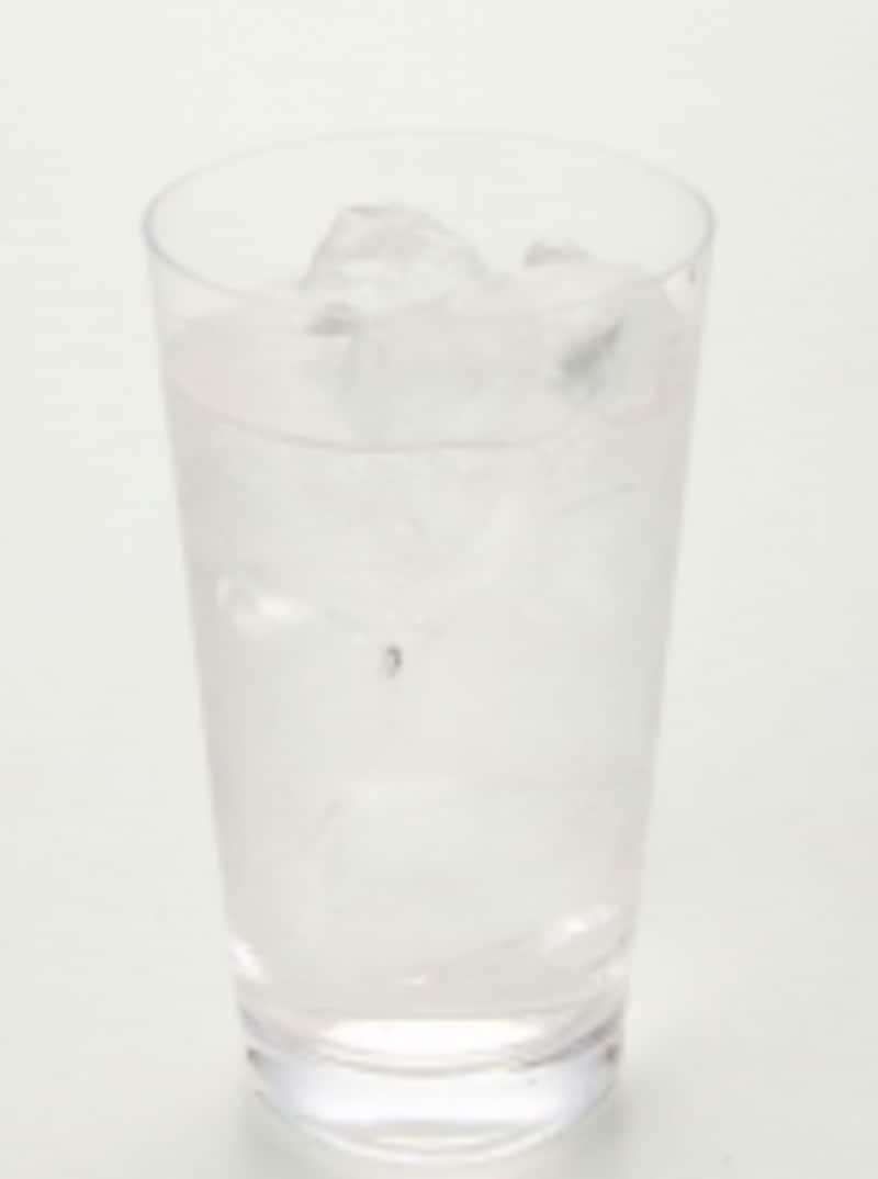 水分補給が大切です。口が痛い時は冷たい飲料の方が飲みやすい
