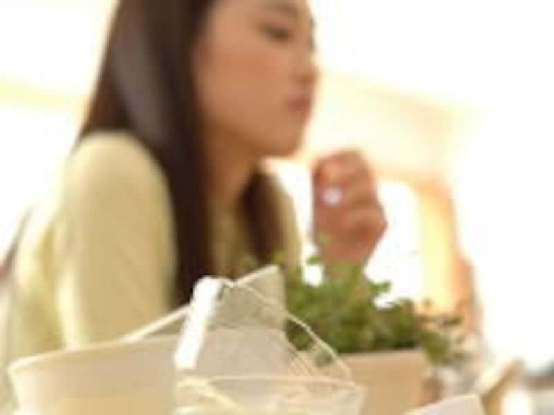 カーッと顔が熱くなり、汗が出てくる「ホットフラッシュ」も更年期障害の症状のひとつ
