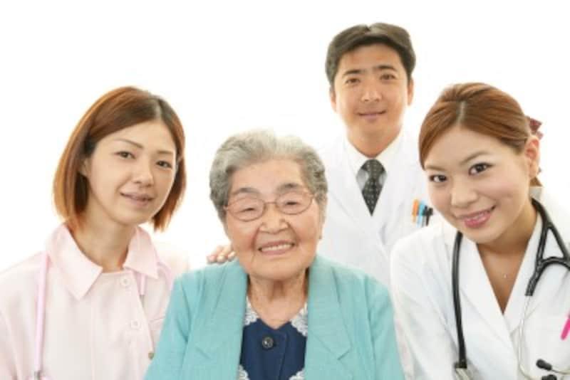 介護療養を受けるシニアのイメージ