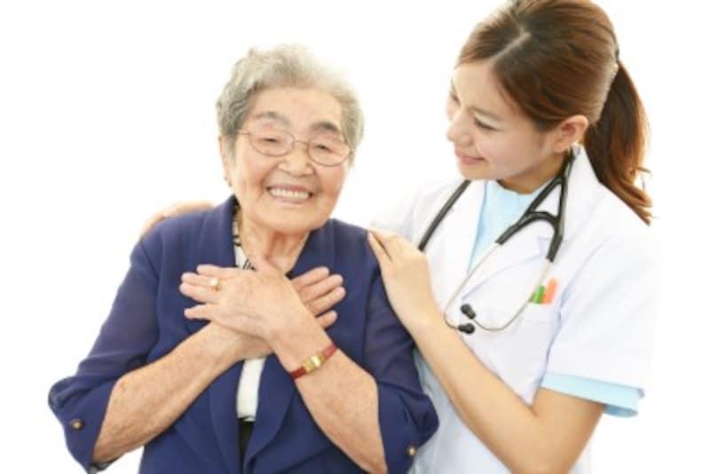 医療的ケアを受けるシニアのイメージ