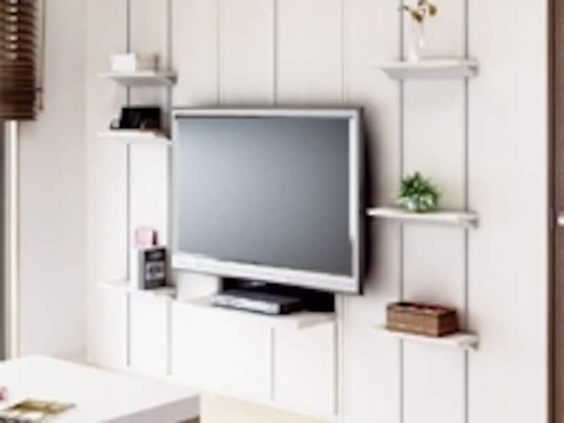 白色の壁埋め込み収納と壁パネルを組み合わせ、テレビを壁掛けにした例(大建工業)