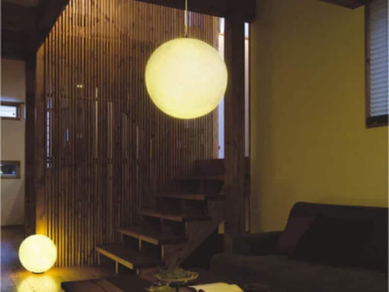 和モダンの照明器具