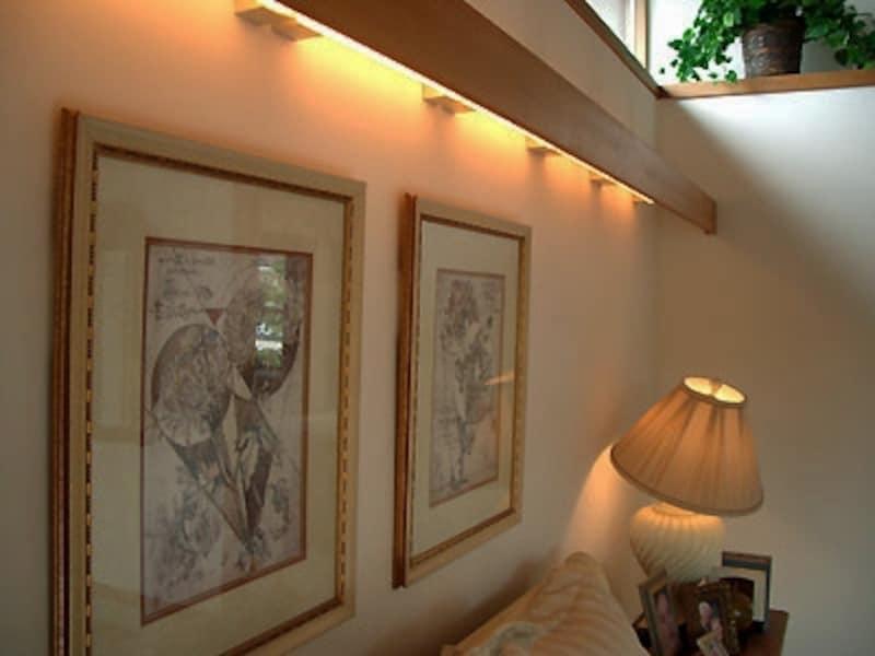 寝室の照明は目に直接光が入らないような工夫を。柔らかい間接照明がお勧め(モデルハウスに学ぶリフォーム!オシャレな照明プランより)
